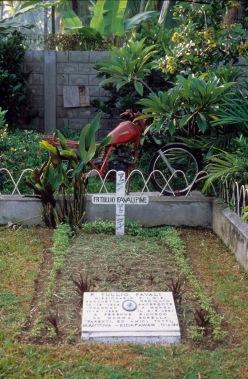 La tomba 1986