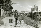 Water boy in Estero, Tondo