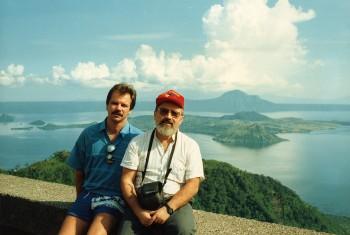 P. Pecorari con P. Baumbusch, Filippine-Lago Tagaitai, 1989, stampa colore